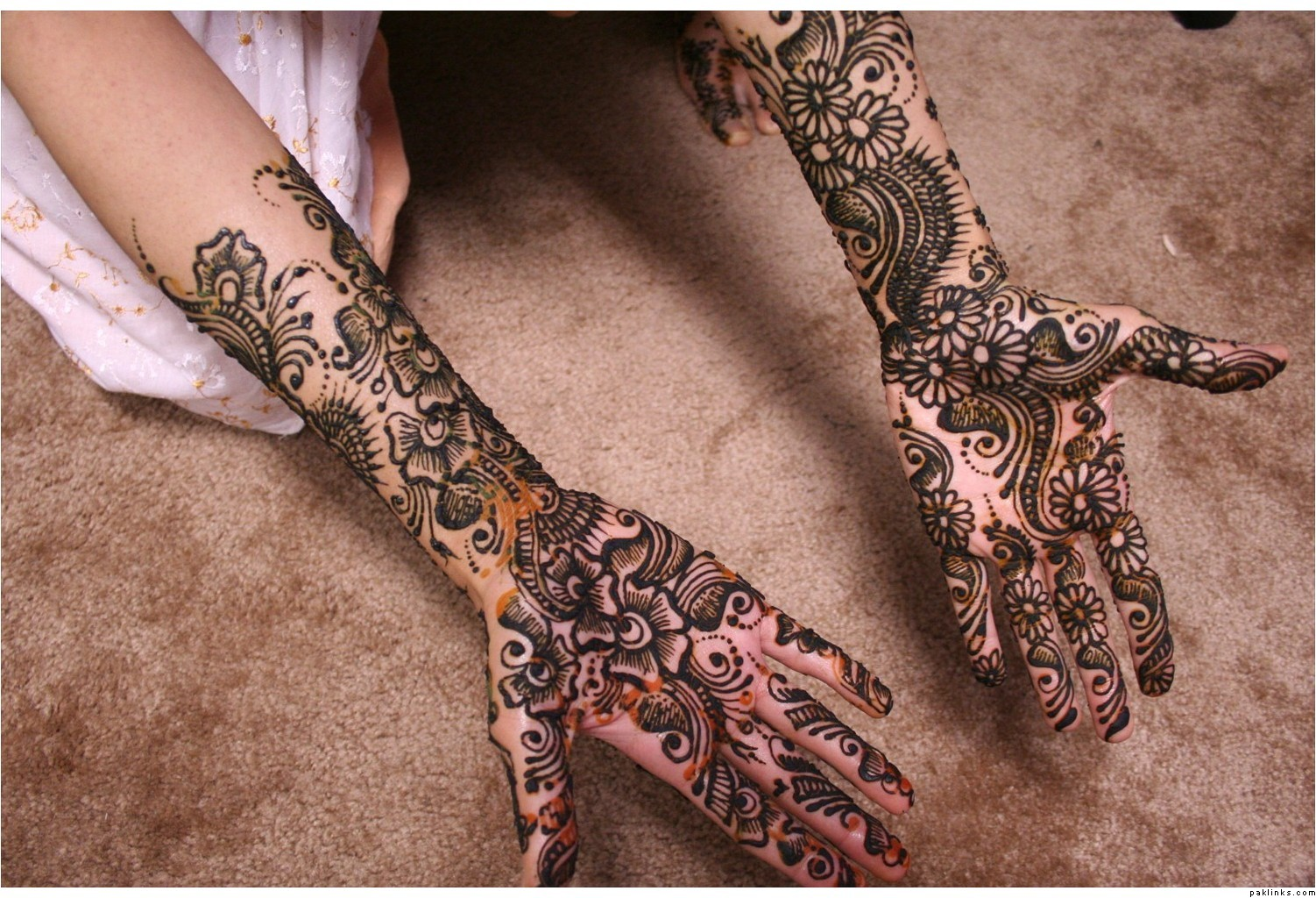 New Mehndi Patterns : Mehndi designs for hands new