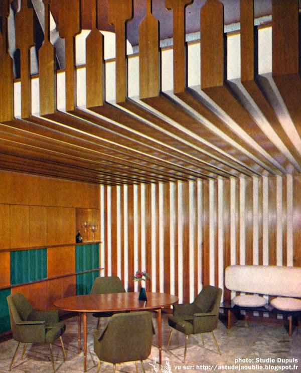 La Celle-Saint-Cloud - Maison Foulquier  Architectes: Boudriot, Lamorlette  Décoration: Janette Laverrière (C.A.I.M.) Créateurs d'Architecture d'Intérieur et de Modèles.  Construction: 1961 - 1962