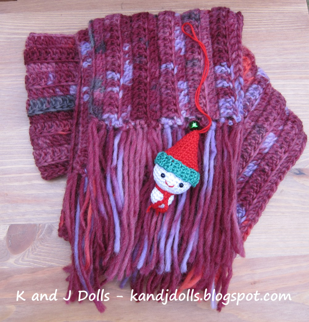 Amigurumi Crochet Patterns K And J Dolls : Easy Scarf - Sayjai Amigurumi Crochet Patterns ~ K and J ...