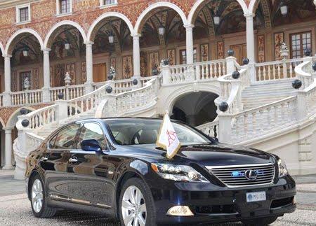 Автомобила за сватбата в Монако - Lexus LS 600h L Landaulet