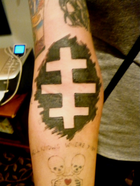 Pin rihanna inverted pictures to pin on pinterest tattooskid for Cross tattoo on forehead meaning