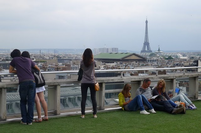 Populaire 14 Awesome Outdoor Rooftop Bars And Restaurants In Paris QR06