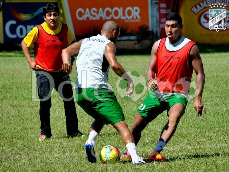 Oriente Petrolero Thiago Dos Santos - Denis Cabrera - Ronny Montero - DaleOoo.com sitio del Club Oriente Petrolero