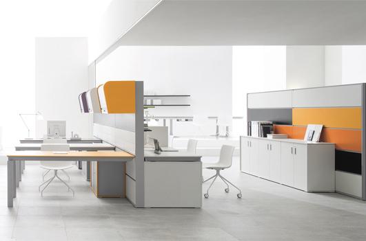 Come Arredare Un Ufficio Open Space : Un ufficio open space moderno con postazioni di lavoro ergonomiche