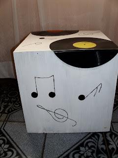 Reciclaje con artesania cajones con discos de vinilo - Vinilos para cajones ...