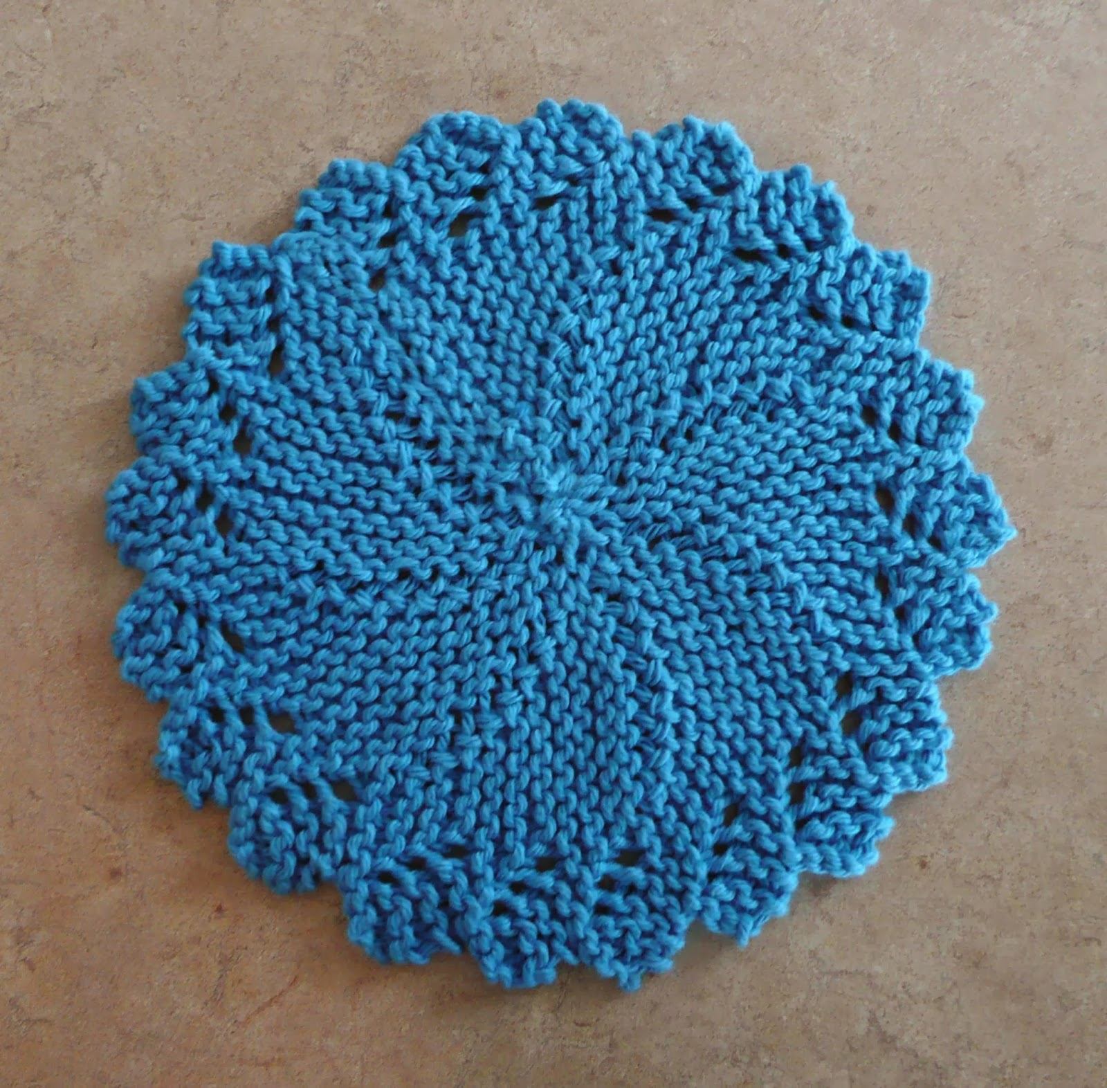 Lace Knitting Patterns In The Round : Perfect One-Ounce Dishcloth - FREE Patterns: FREE PATTERN #11 - Knitlist Lacy...