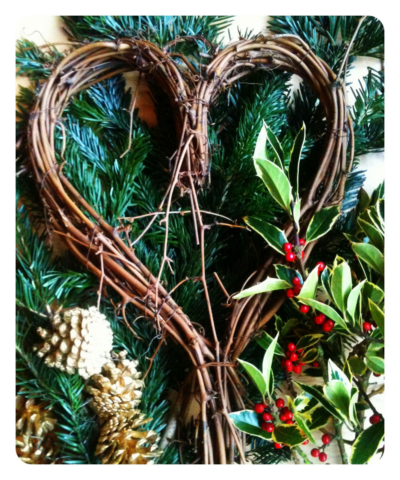 Make Your Own Christmas Wreath Willow Heart Modern Mummy