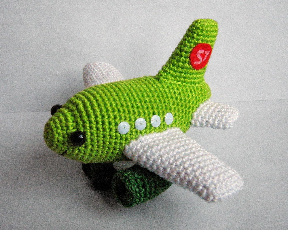 Crocheting On A Plane : ... plane https www etsy com listing 107733891 small plane crochet pdf