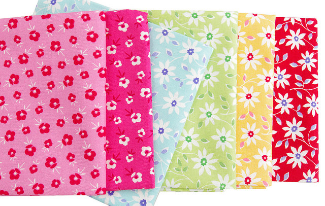 Pam Kitty Garden - blossoms and Daisy Vine | Red Pepper Quilts