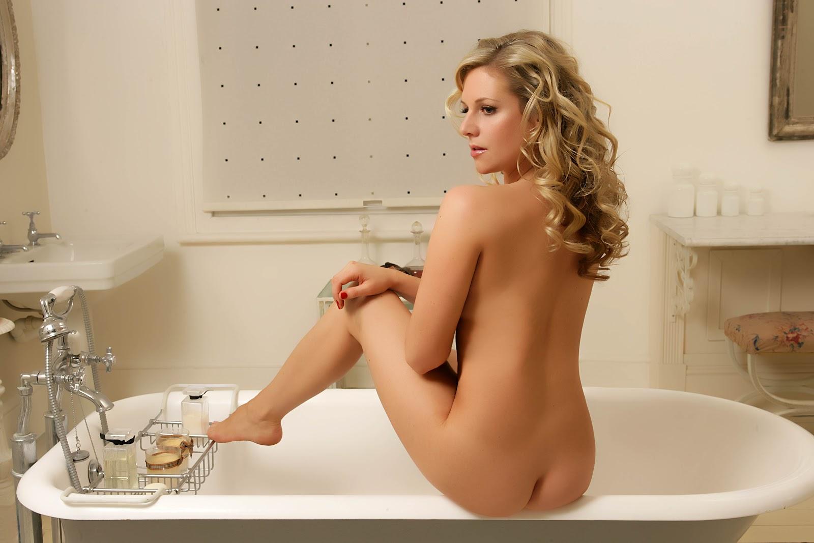 Crush Of The Day..!: Abi Titmuss Super Hot Nude photos