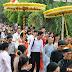 Hân hoan cung thỉnh sư về trụ trì chùa làng