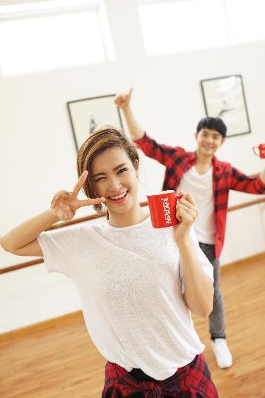 """Được biết, vũ điệu """"Sánh đậm"""" chính là ý tưởng chung của cặp đôi được yêu mến nhất nhì Showbiz Việt."""
