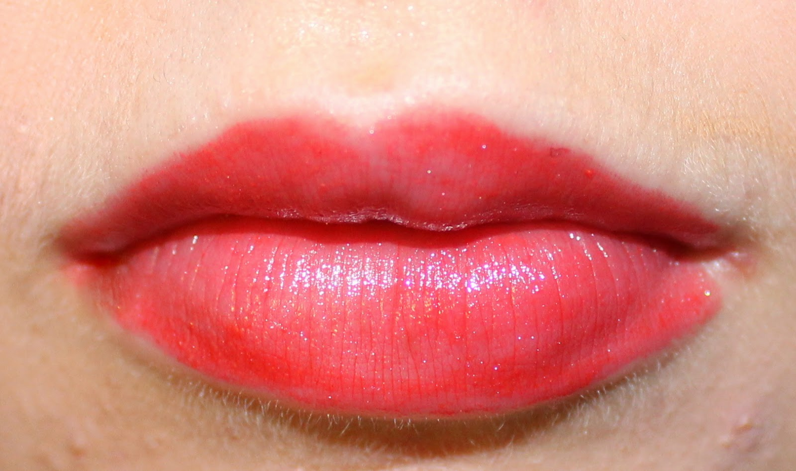 ARTDECO Glossy Lip Color in Glossy Strawberry on Lips