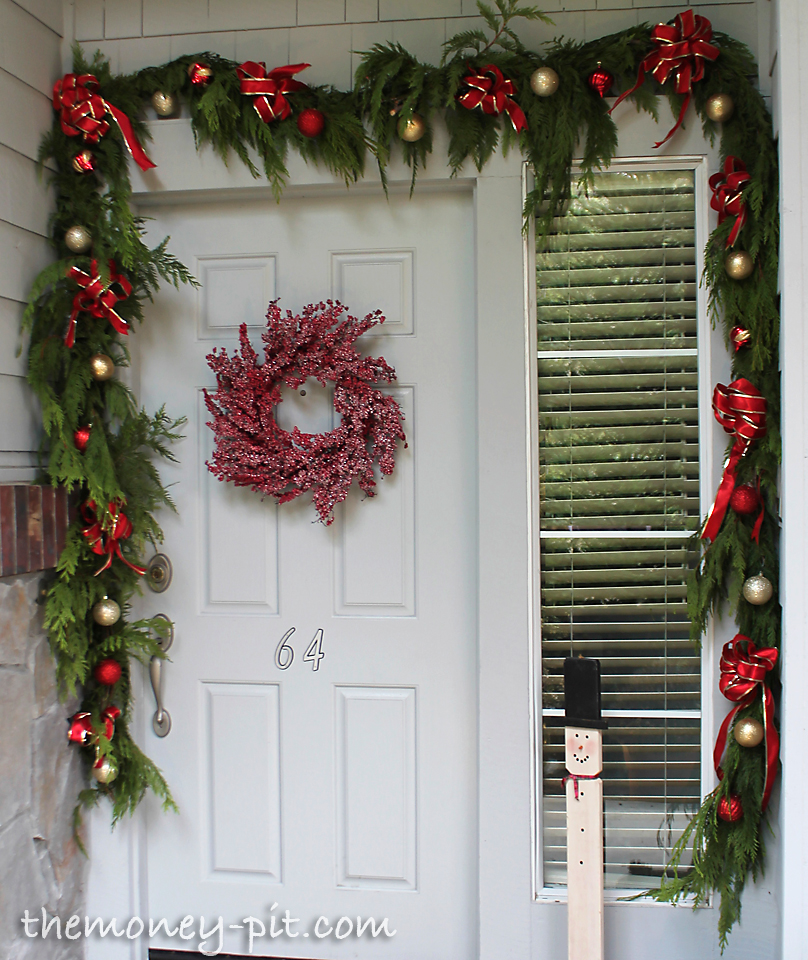 My christmas front porch and exterior the kim six fix for Door garland christmas