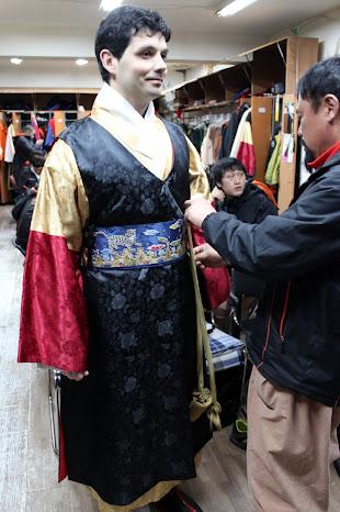 Vestido tradicional de guardia de palacio coreano