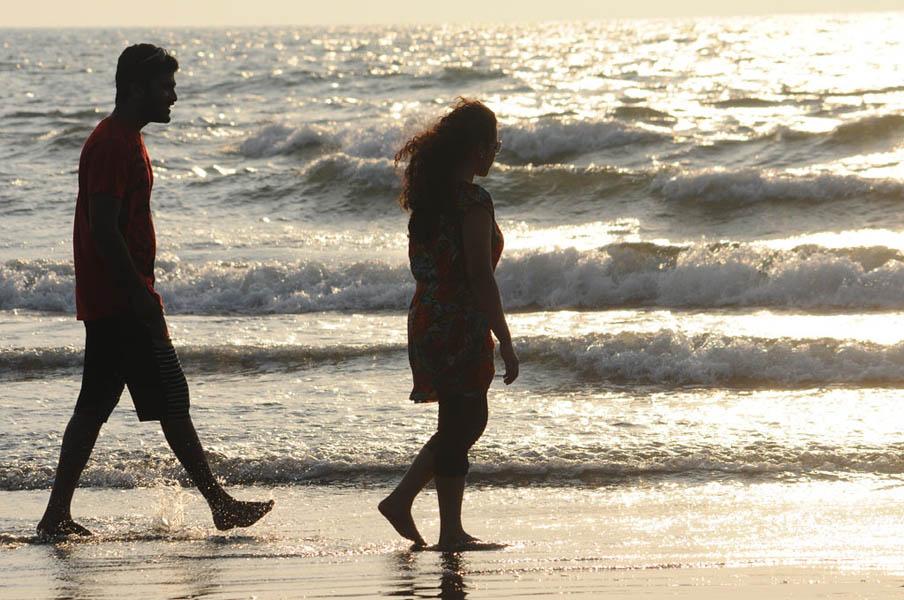 Sharwanand & Nithya Menen in JK Enum Nanbanin Vaazhkai Movie Stills