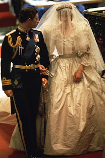 LADY+DI Estilista de Lady Di cria vestido de noiva para Kate!