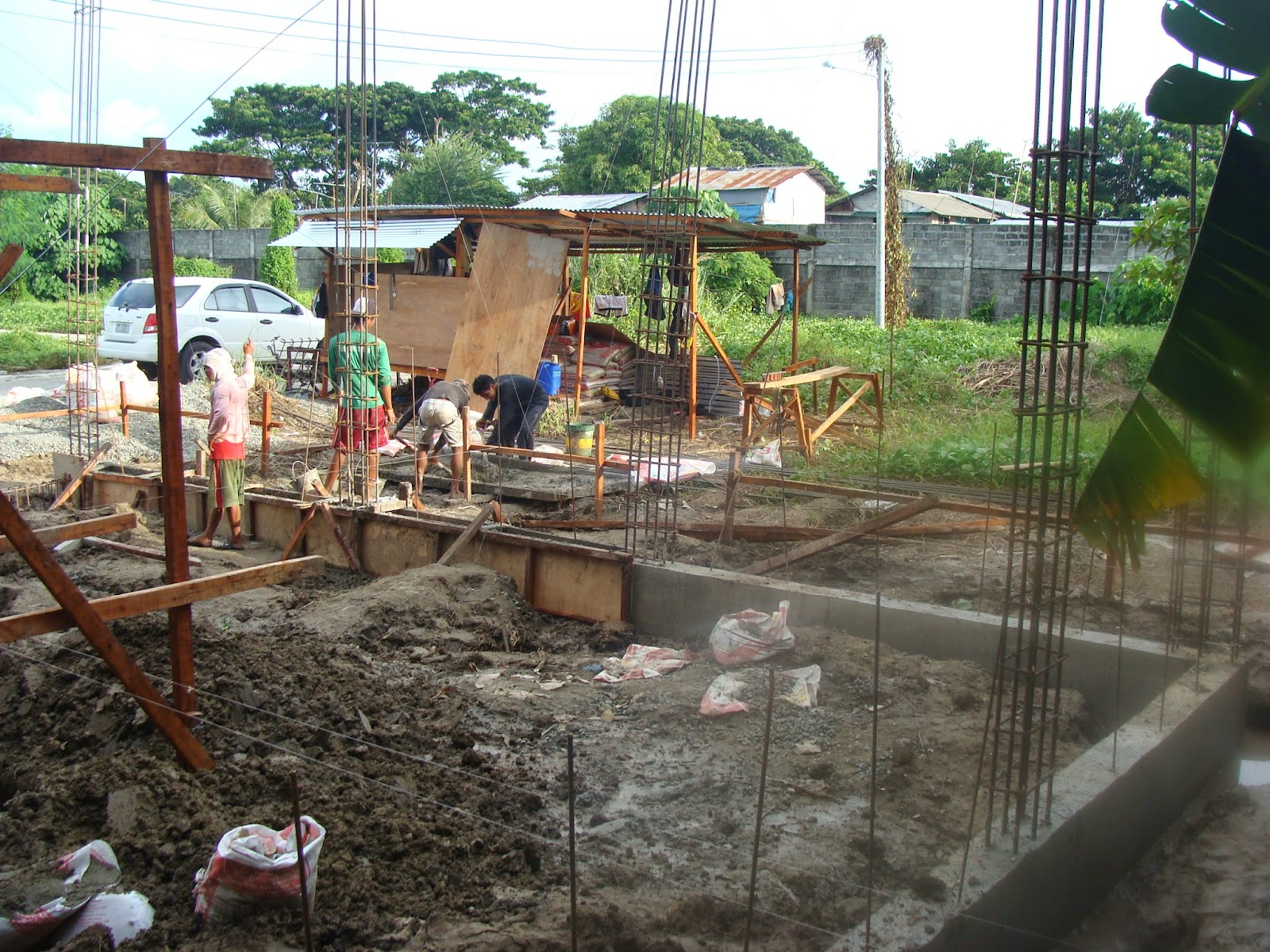 The grove subdivision house construction project in for Balcony designs philippines