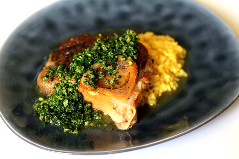 Ossobuco milanese mit risotto milanese und Gremolata | Arthurs Tochter Kocht by Astrid Paul
