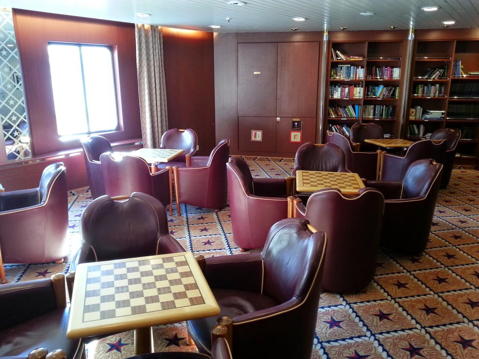 Hurtigruten MS Nordlys - Knut Hamsun Library