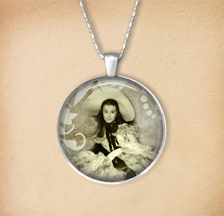 Photo template for necklace