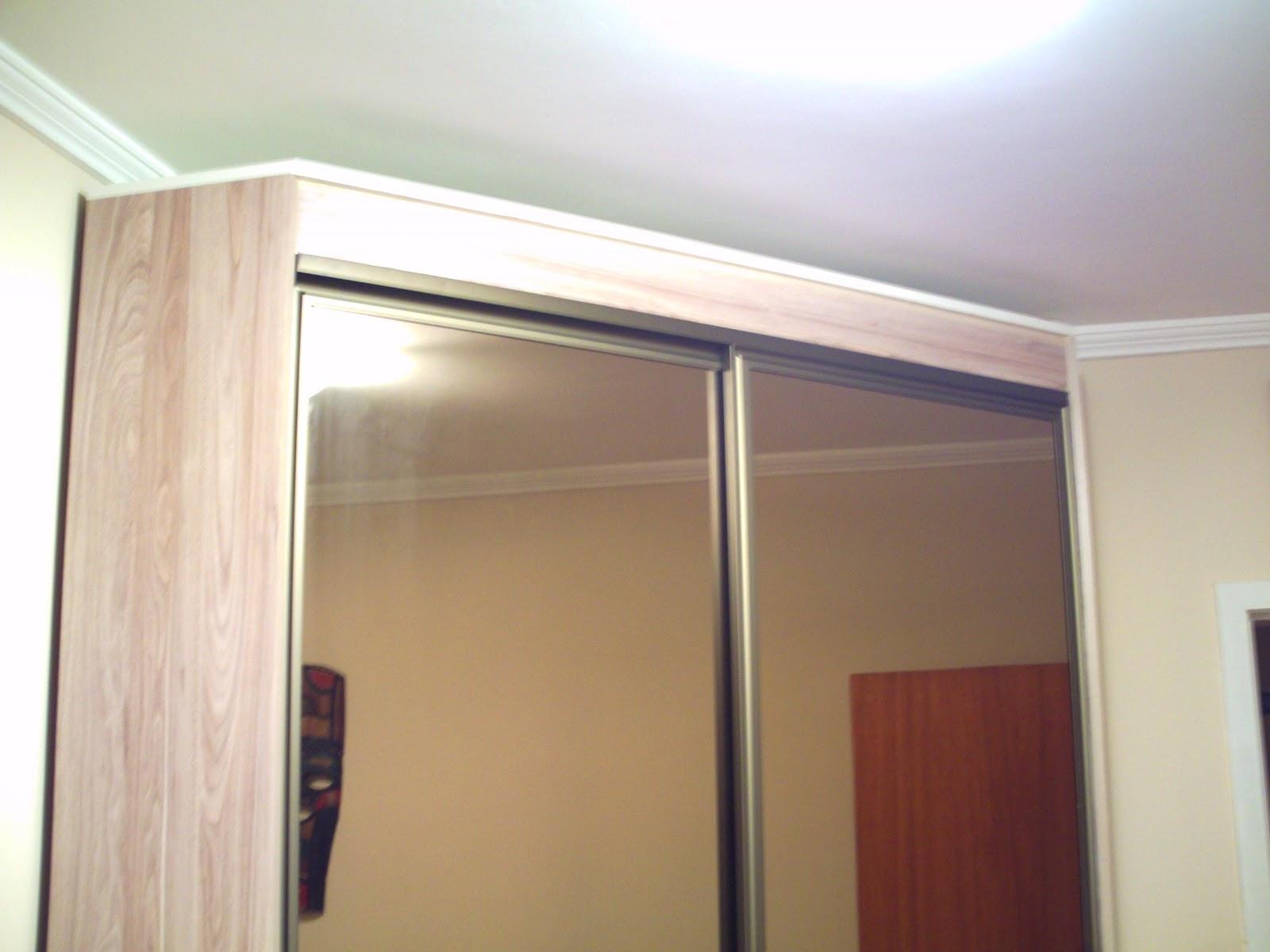 #65332B Oficina de Marcenaria: Mini closed decanto com portas de alumínio e  1118 Portas E Janelas De Aluminio Porto Alegre Rs