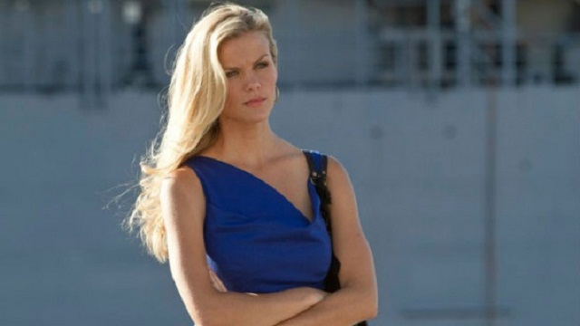 Alex's hot blonde girlfriend in the movie Samantha (Brooklyn Decker)
