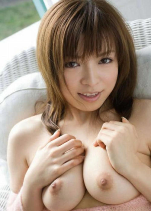 http://1.bp.blogspot.com/-E_JyHbgzdlQ/T_SDqzNPGMI/AAAAAAAAD40/3n0aV93lkbE/s1600/japan_boobs_31.jpg