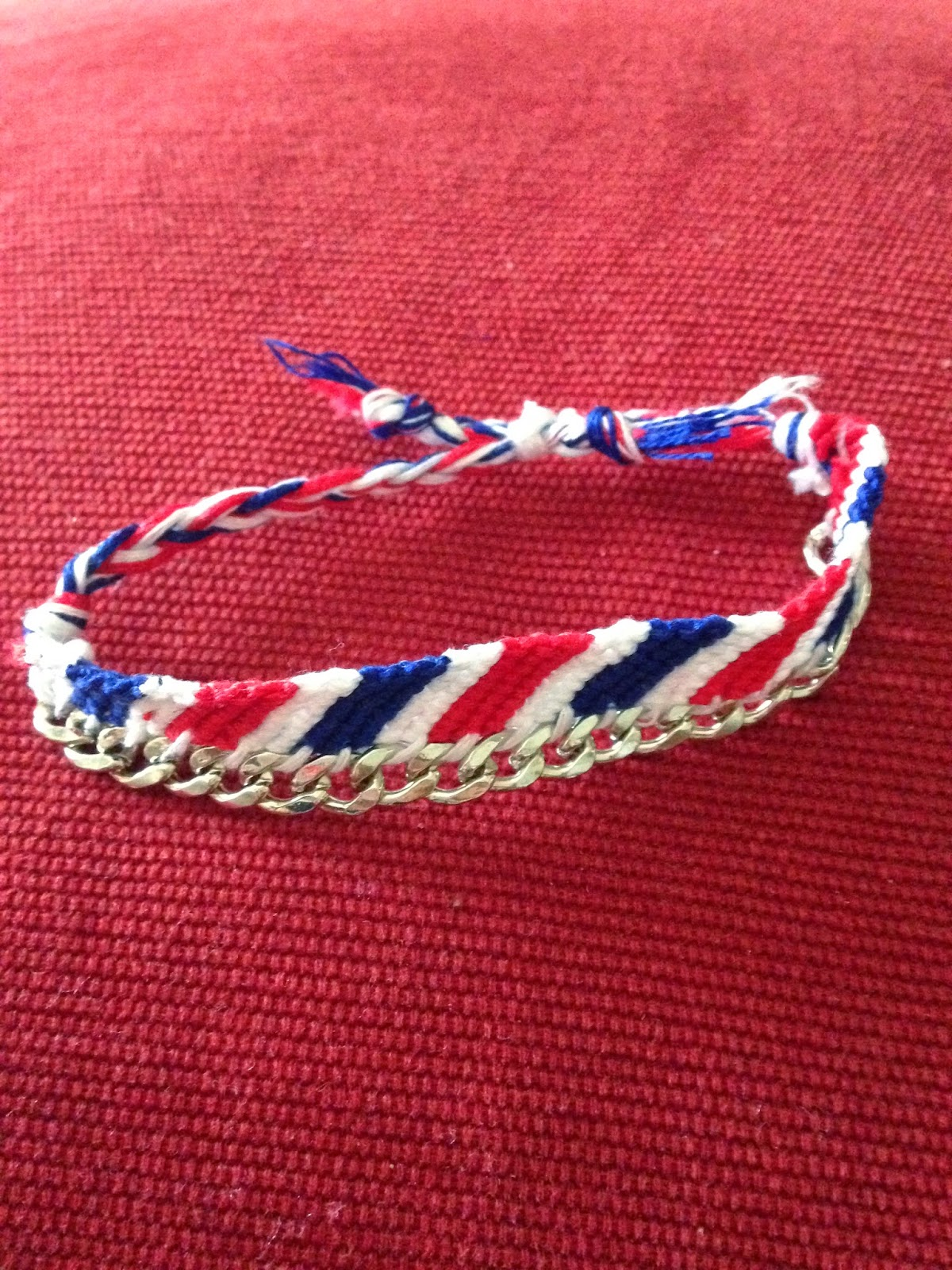 Finished diagonal stripe bracelet with chain link