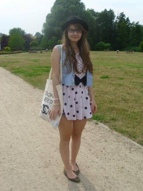 OOTD: sukienka w kropki w luźnej odsłonie