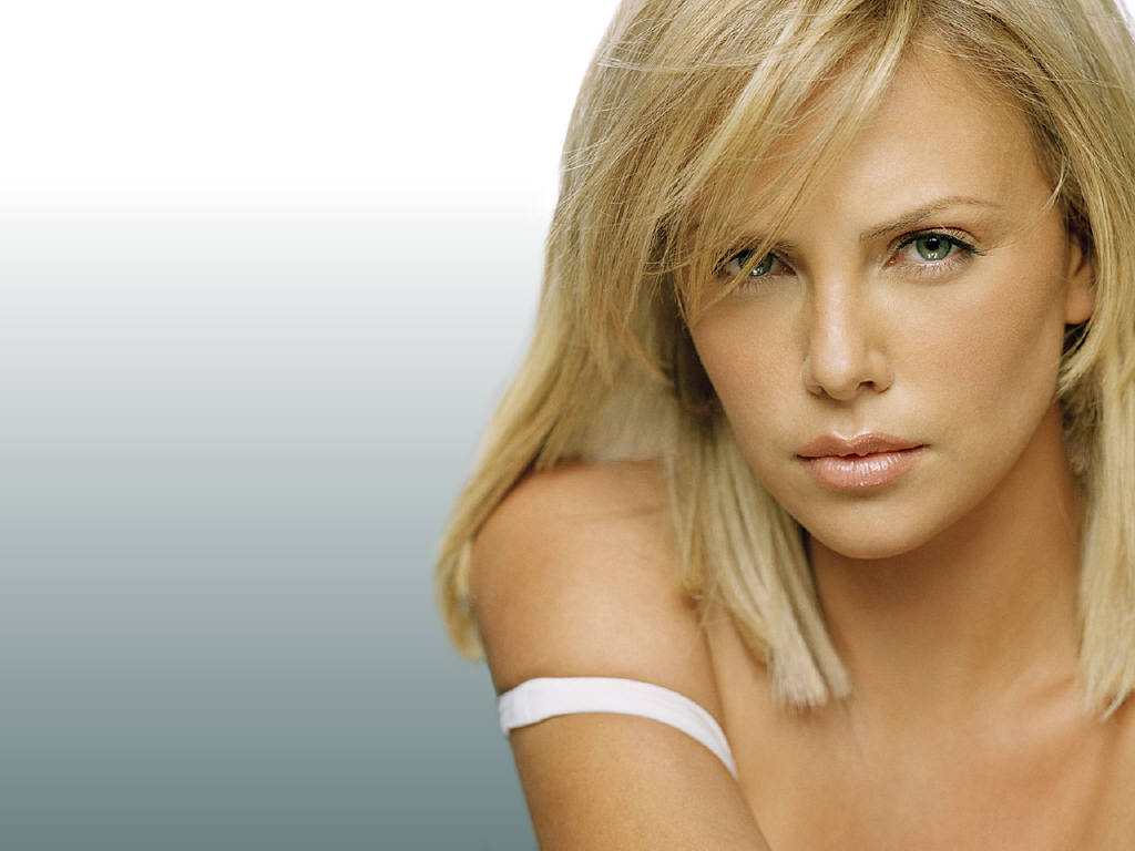 Charlize Theron Hot Pictures, Photo Gallery & Wallpapers Charlize Theron