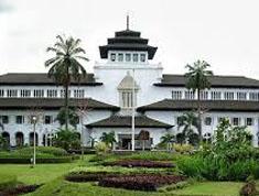 Daftar nama, jenis jenis masakan yang khas & tempat wisata kuliner paling terkenal di Bandung