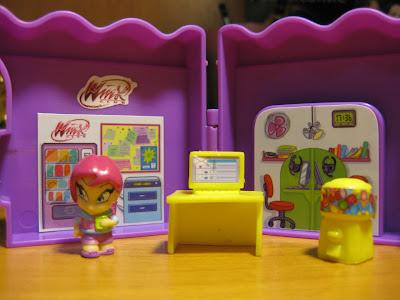 Naujos lėlės/žaislai/mokyklinės prakės Rugsėjis/Lapkritis 477336_471488262891331_737045062_o