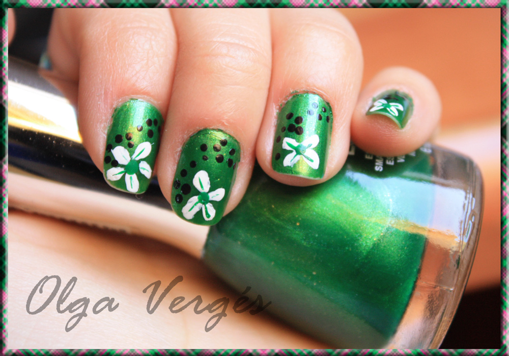 Lorefly\'s Beauty Notebook: Nail Art - St. Patrick Flowers (By Olga ...