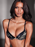 Brazilian model Lais Ribeiro showing her curve body in Victoria's Secret sexy lingerie photoshoot