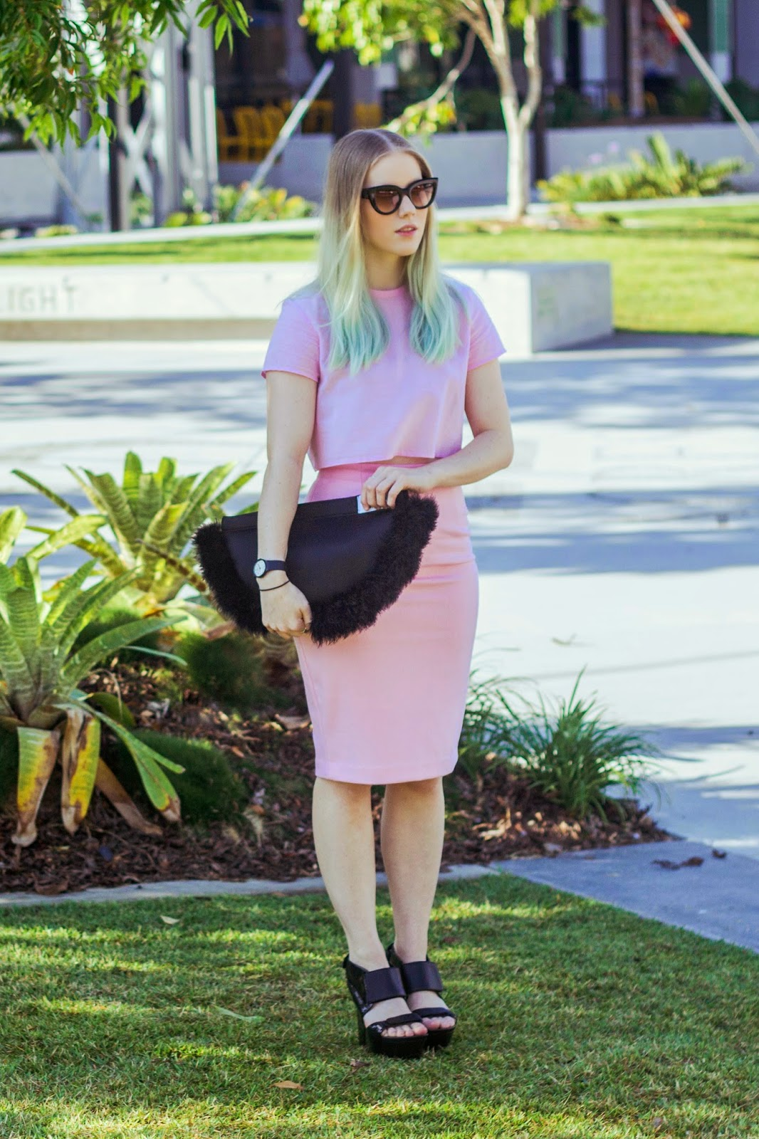 Pip O'Sullivan fashion blog, Philippa O'Sullivan, outsideiscolours, outside is colours, brisbane fashion blogger, ootd, all pink outfit, pale pink pencil skirt, pink midi skirt, girl wearing pink pencil skirt, pink wool skirt, Style nanda pink wool pencil skirt, 1989 the lablel, pink cropped t-shirt, pink crop tee, somewhere nowhere lunar clutch, marabou feather clutch, black neoprene clutch, united nude bolt heels,