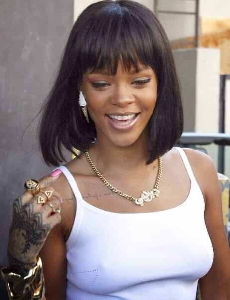 It was reported back in 2009 that Rihanna admitted she was broke after