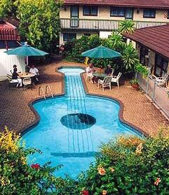 8 Unique Swimming Pools