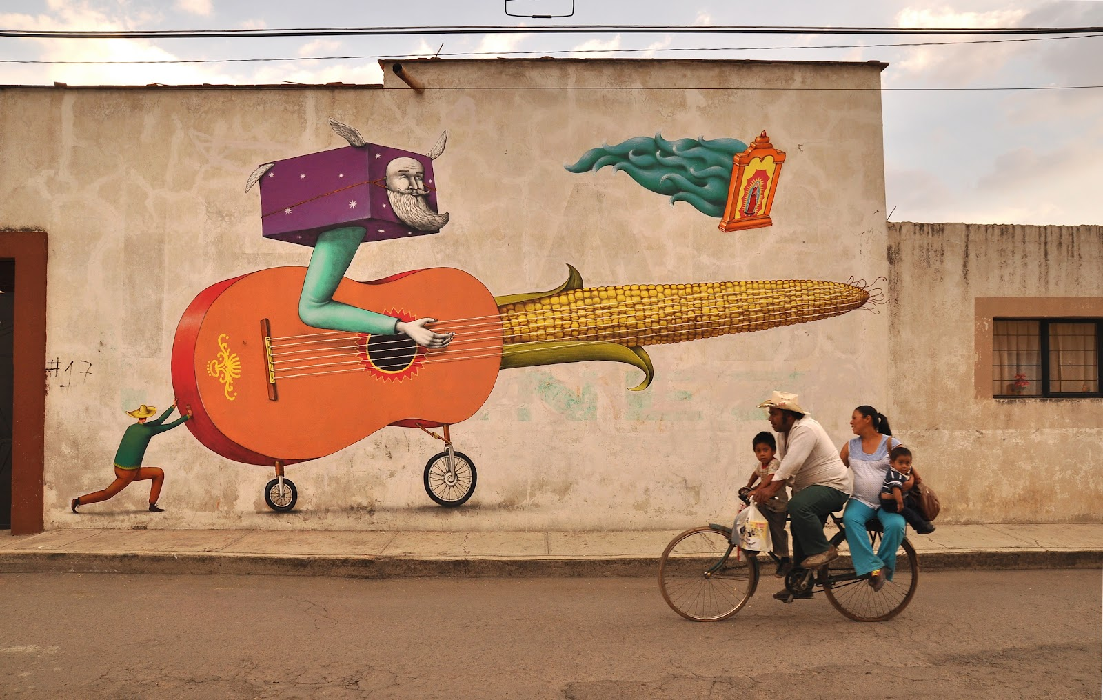 Interesni kazki new murals in cholula mexico for Arte mural en mexico