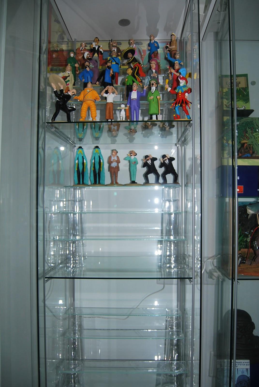 Tintin la aventura de coleccionar colecci n de figuras - Baldas de cristal ...