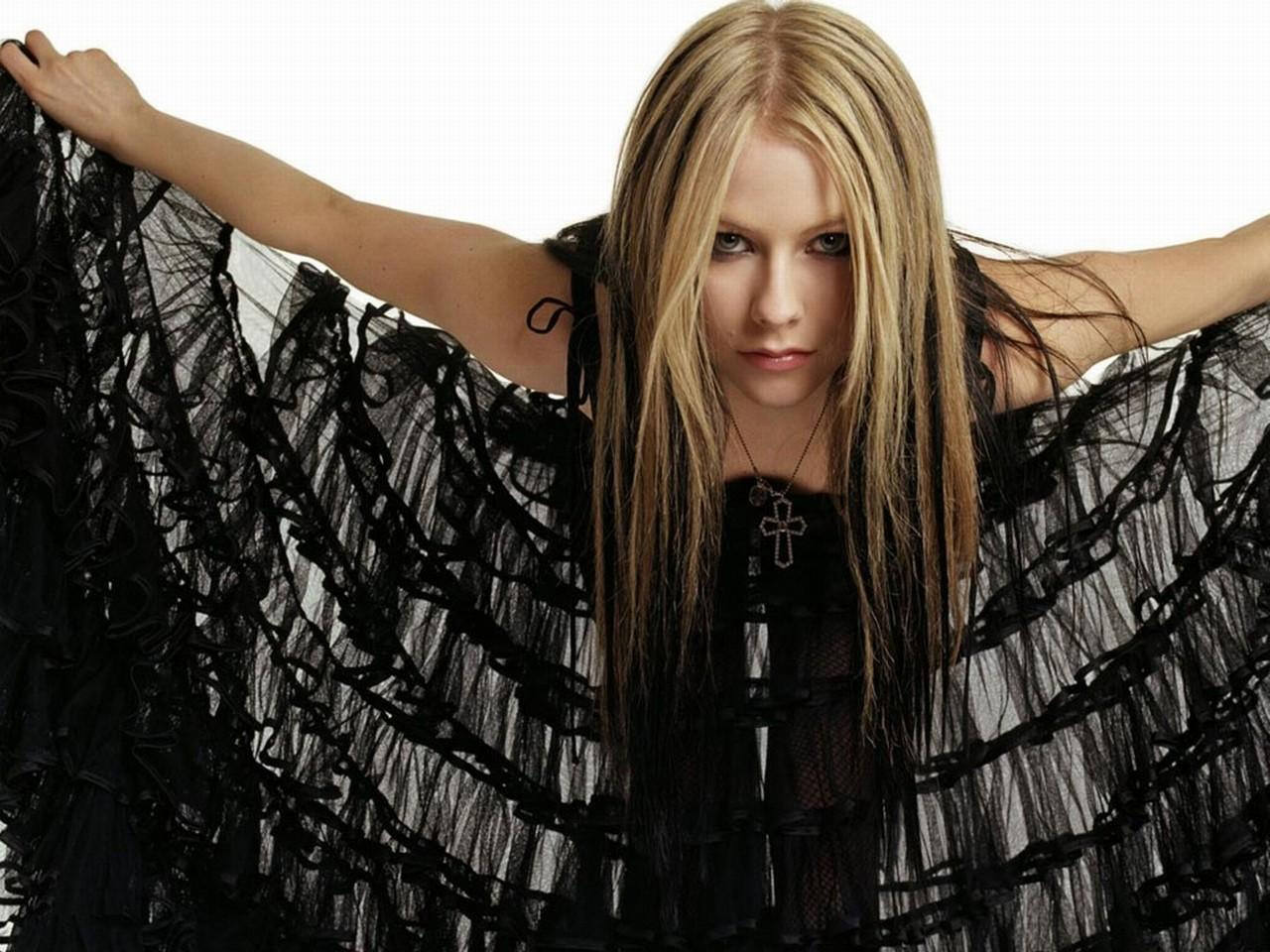 Avril Lavigne Wallpapers and Backgrounds Pinterest