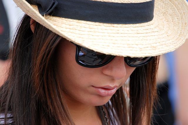 Tips Memilih Kacamata Sesuai Postur Tubuh Dan Situasi