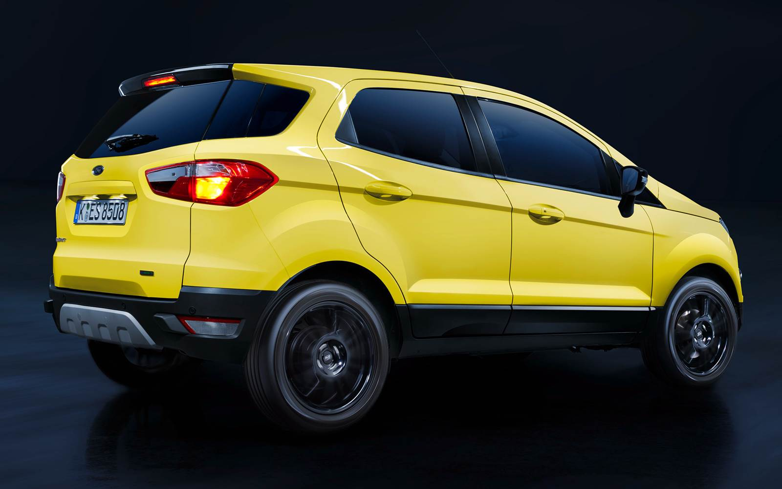 ford ecosport quatro rodas html with Ford Ecosport   Facelift Vira Sem on 2018 Hyundai Creta also 24515 besides Ford Ka Problemas No Motor Freios E further Tucson 2014  parativos as well Ecosport Freestyle 2015 Powershift 20.