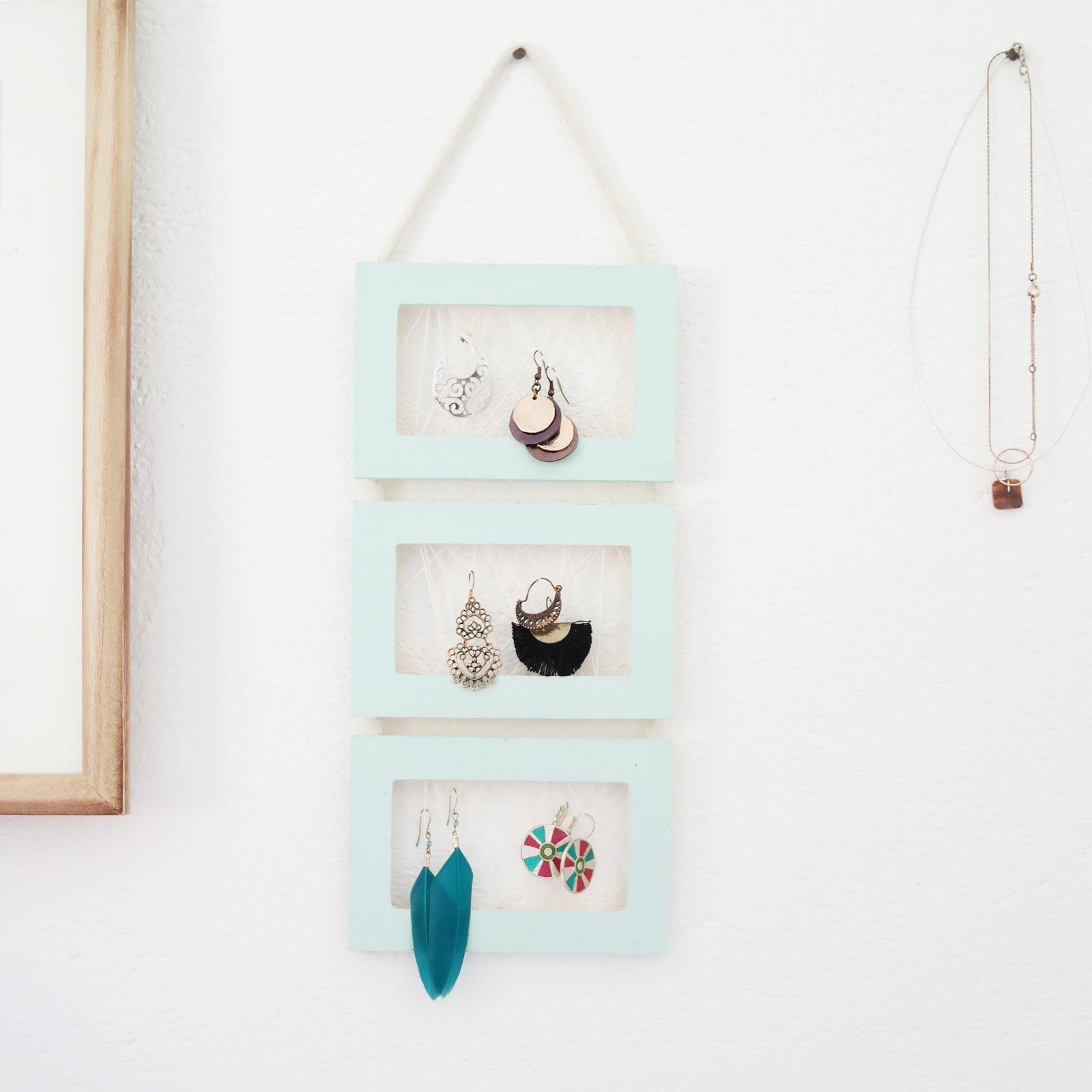 diy cadre porte bijoux shylylovely. Black Bedroom Furniture Sets. Home Design Ideas