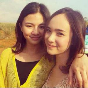 Foto Eriska Rein Cantik Bersama temannya