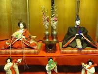 武家階級の雛人形で徳川家は黒色と決っていたという。