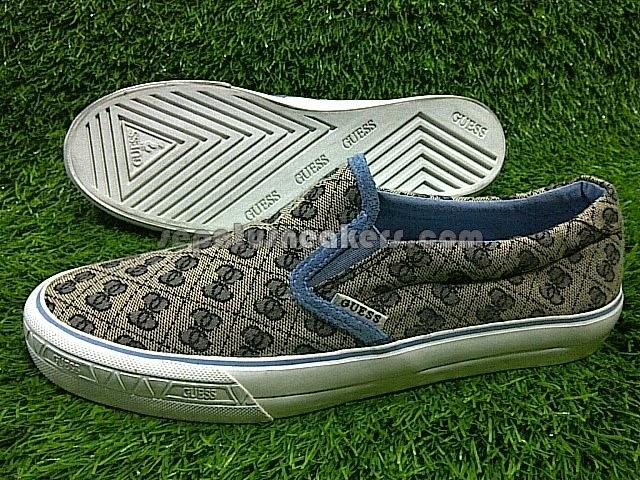 sepatu guess slip on sneakers