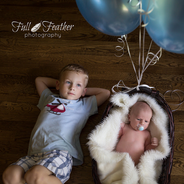 baby-sibling-photography