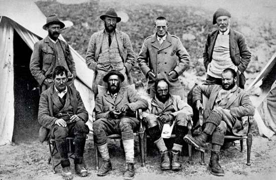 From left clockwise, George Mallory, A.F.R. Wollaston, Charles Howard-Bury, Alexander Heron, Harold Raeburn, Henry T. Morshead, Guy Bullock, and Oliver Wheeler