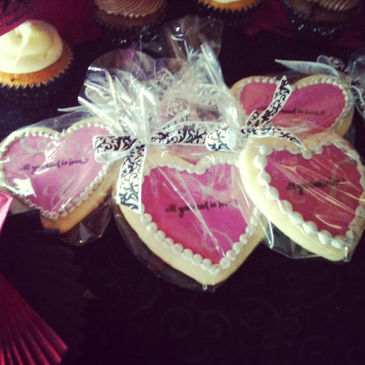 Rantings of a Stay At Home Mom: Bridal shower favors and cupcakes